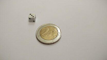 Kleine dobbelsteen 7mm plastic