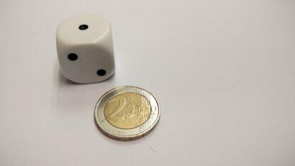 DDobbelsteen plastic 22mm met ogen 1-6 afgeronde hoeken